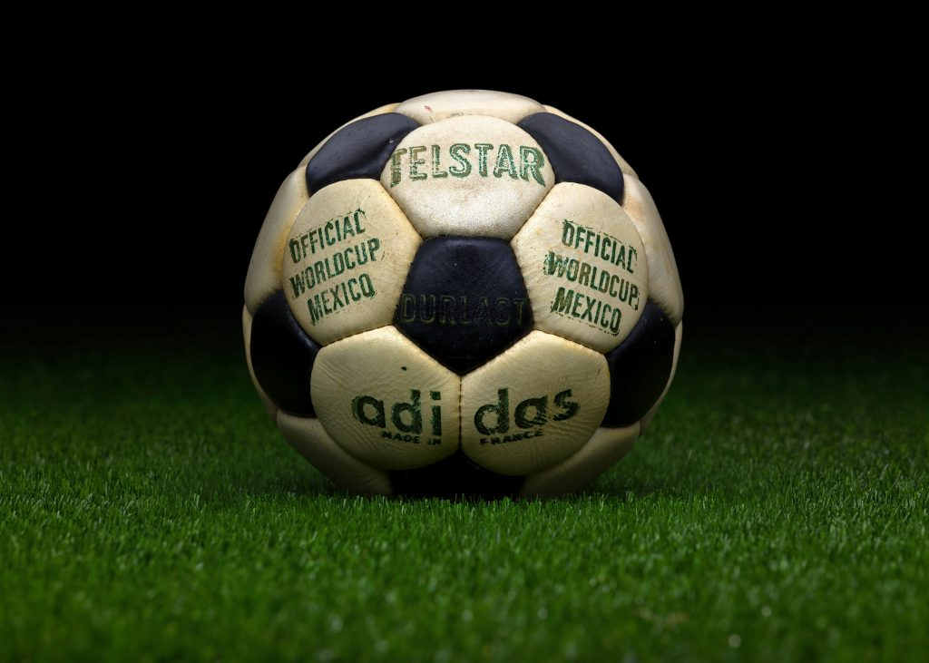 made-in-france-match-ball-fifa-world-cup-1970-mexico-adidas-telstar-durlast