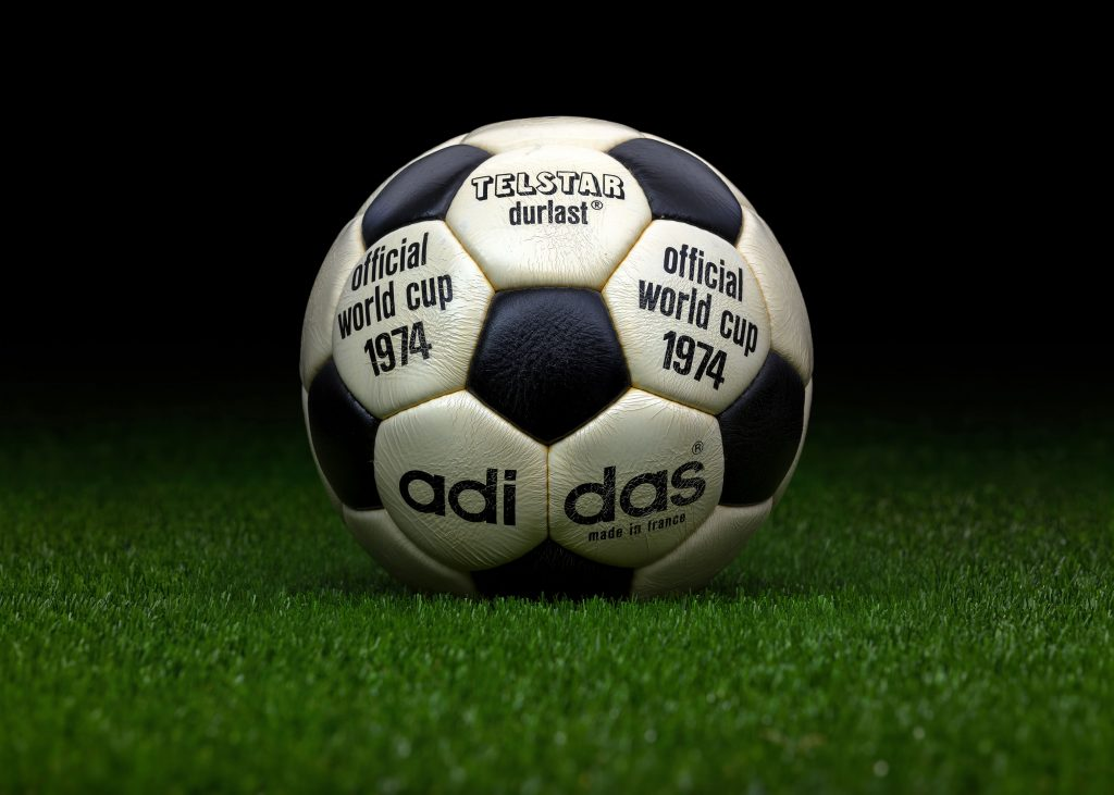 made-in-france-match-ball-fifa-world-cup-1974-germany-adidas-telstar-durlast