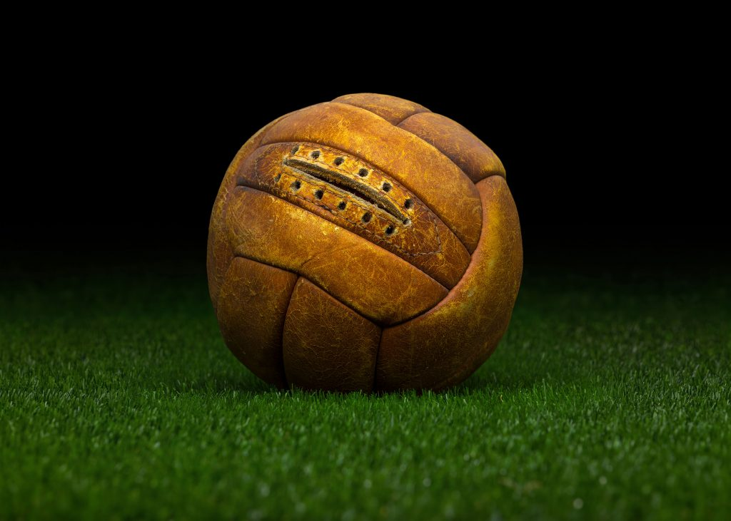 pre-adidas-world-cup-match-ball-fifa-world-cup-1938-france-allen