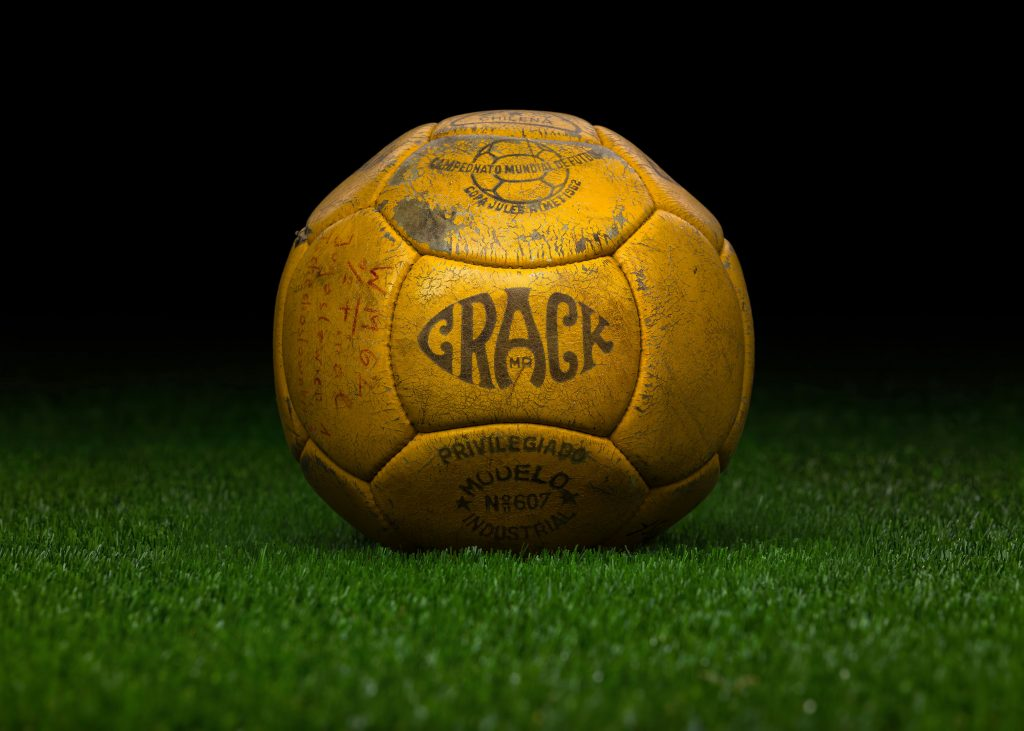 pre-adidas-world-cup-match-ball-game-used-fifa-world-cup-1962-chile-crack-yugoslavia-czechoslovakia