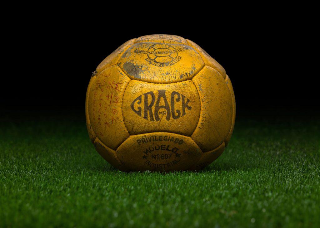 pre-adidas-world-cup-match-ball-game-used-fifa-world-cup-1962-chile-crack-yugoslavia-czechoslovakia