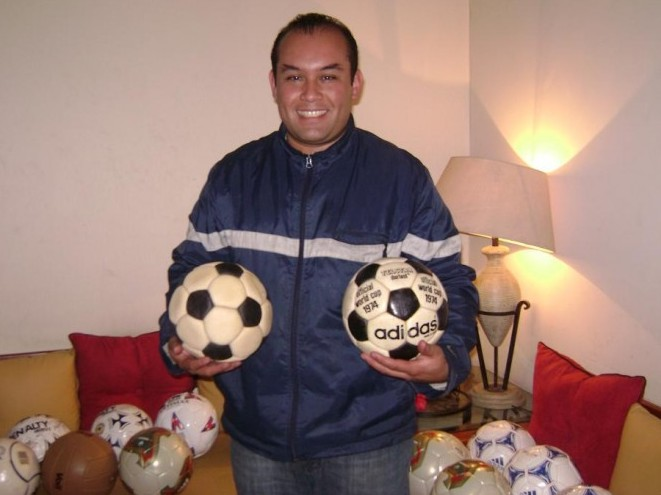 Luis Gerardo Guzman (Mexico) soccer ball football collection