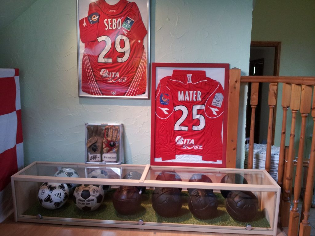 Mr Remy (France) soccer ball football collection
