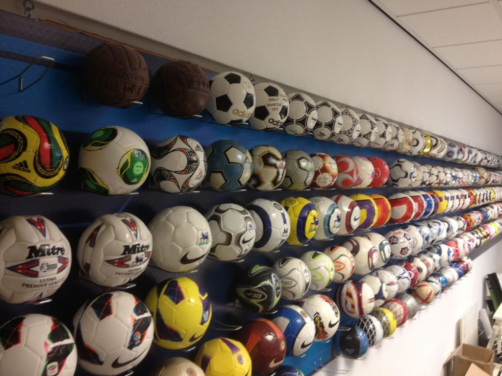 frank-groot-soccer-ball-football-collection-netherlands-a-2.jpg-1370967038