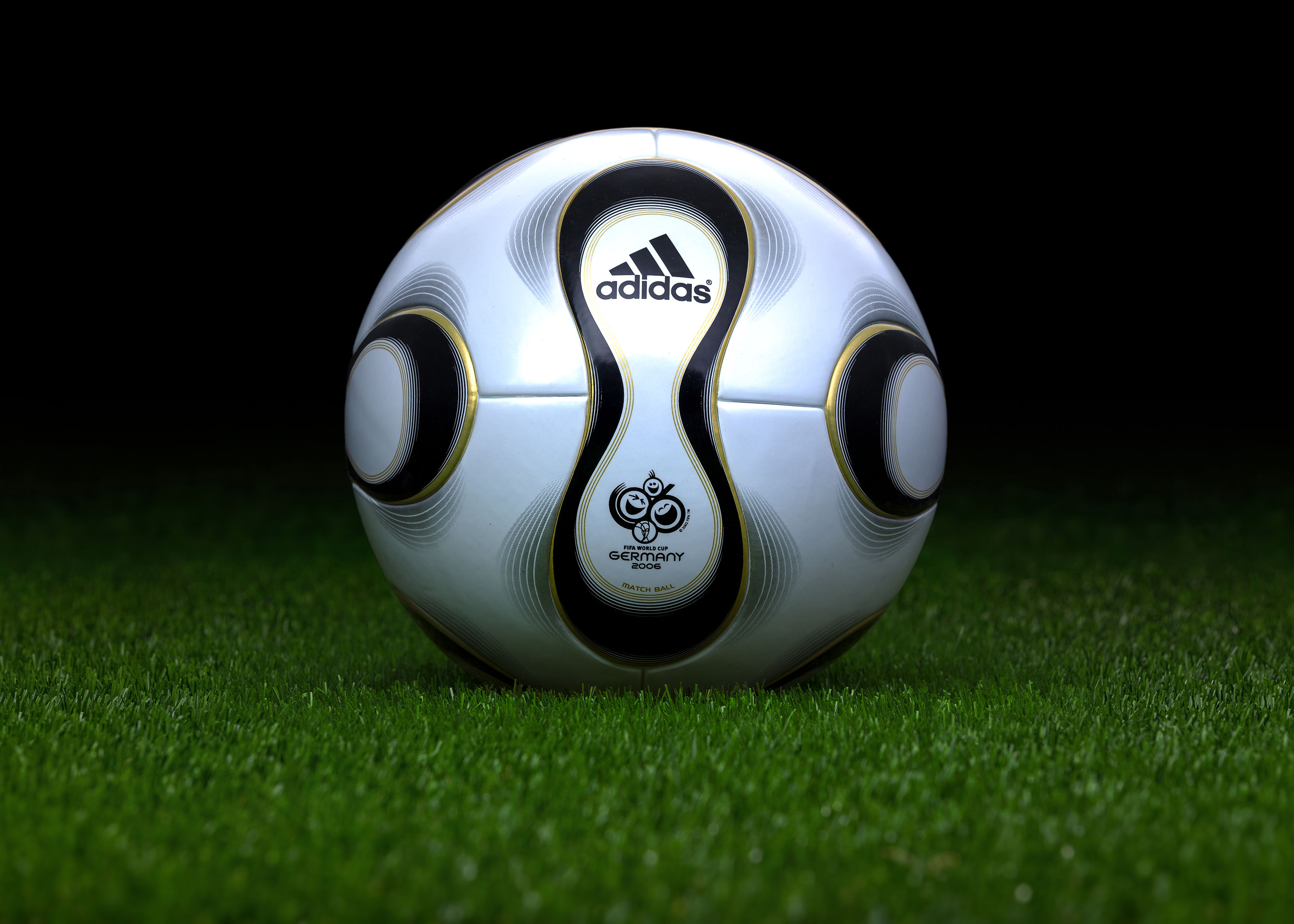 1c1b2937d Made in Thailand match ball. FIFA World Cup 2006 Germany. Adidas Teamgeist