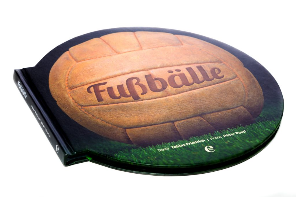 Fussbaelle-Peter-Pesti-worldcupballs-info-book-photo-2