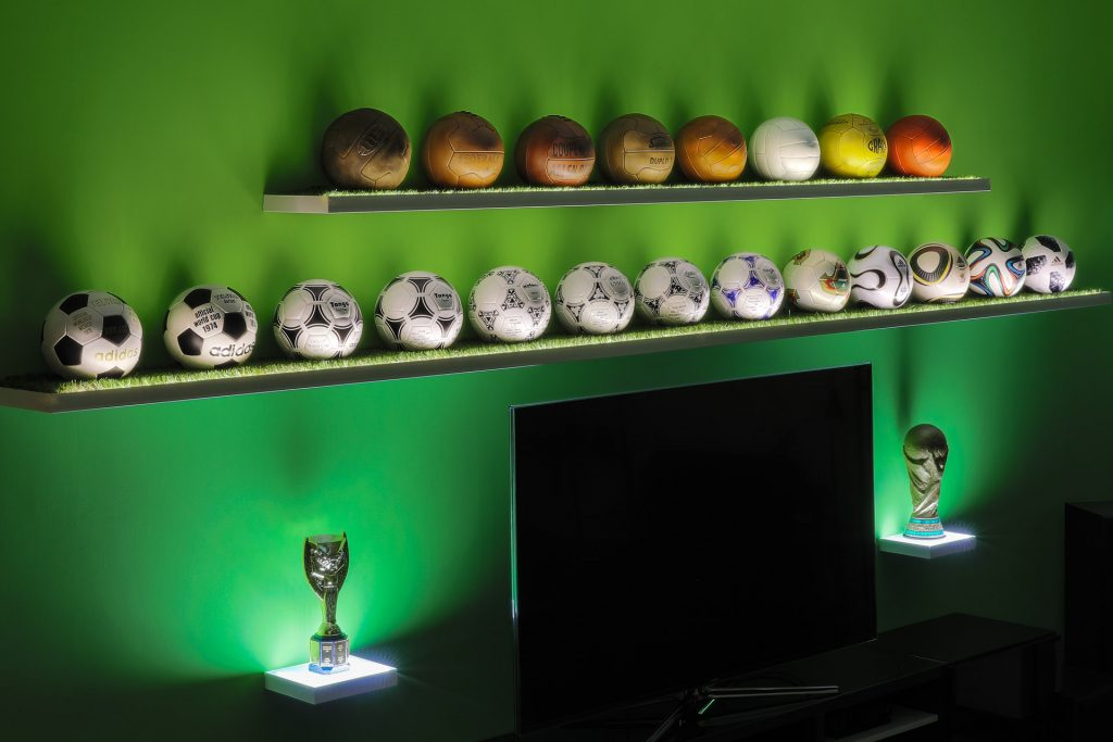 Peter-Pesti-worldcupballs-info-ball-collection-featured-image-mobile-2-small_1