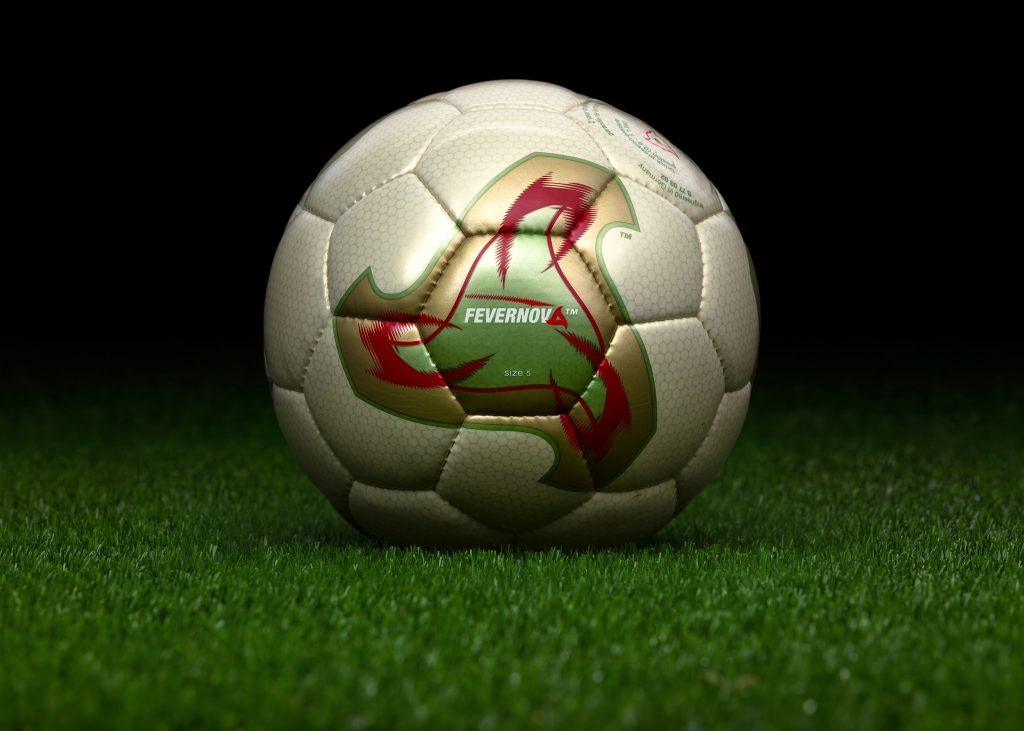 engineered-in-germany-match-ball-fifa-world-cup-2002-south-korea-japan-adidas-fevernova