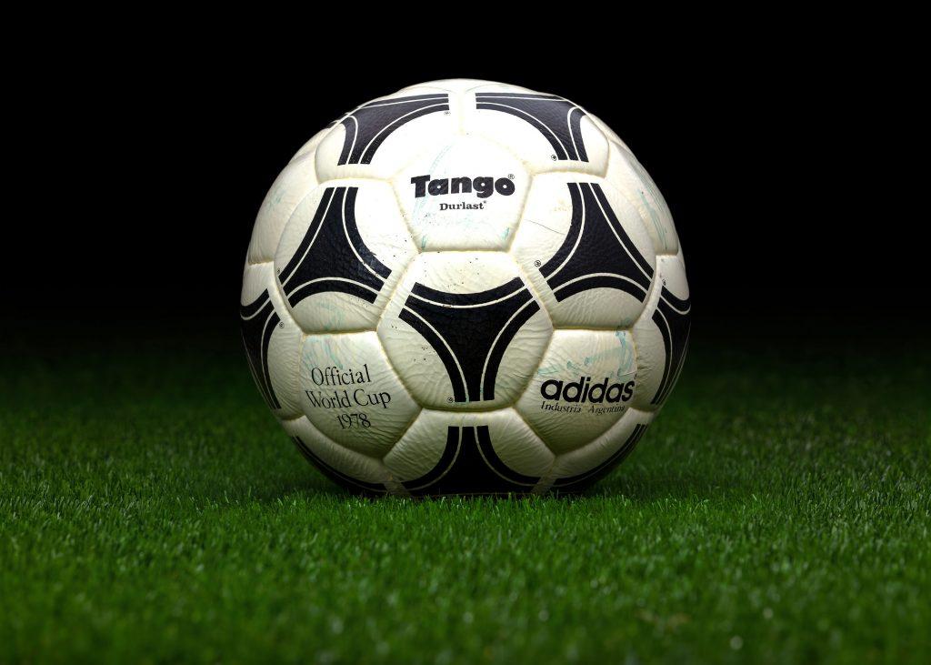 industria-argentina-match-ball-fifa-world-cup-1978-argentina-adidas-tango-durlast