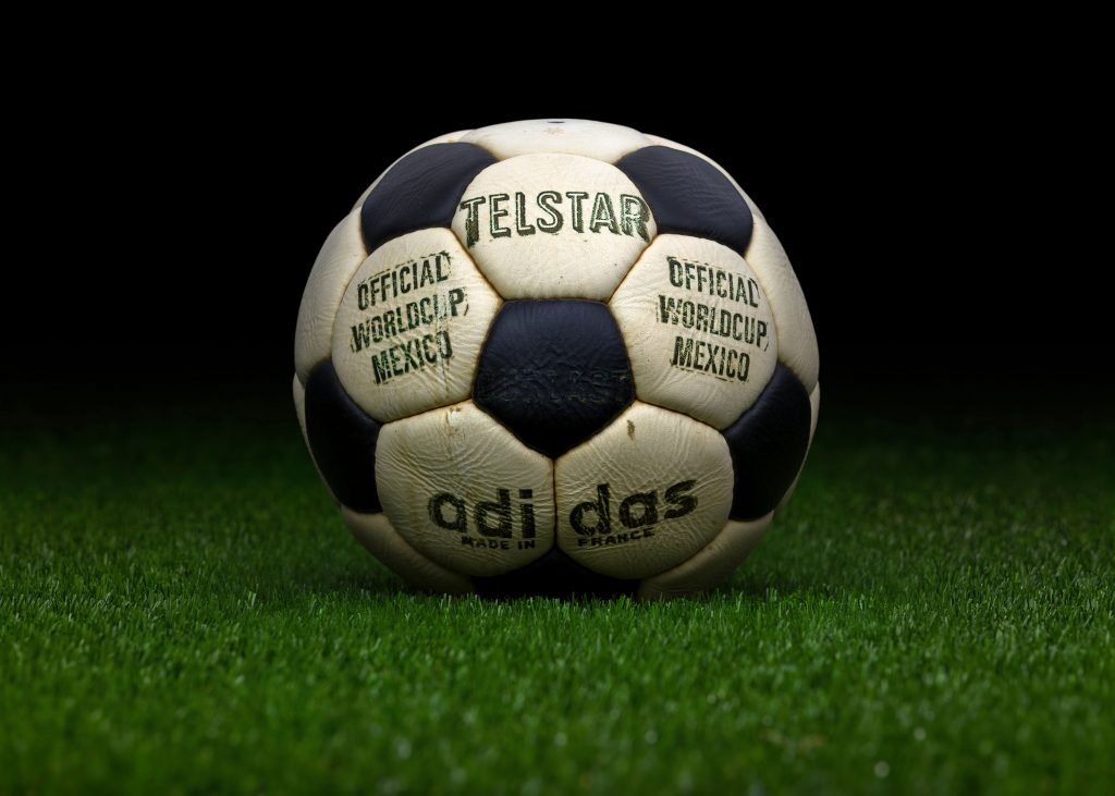 made-in-france-match-ball-fifa-world-cup-1970-mexico-adidas-telstar-durlast-2