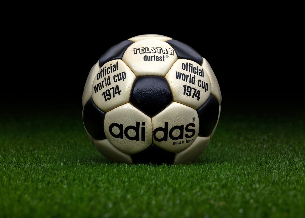 made-in-france-match-ball-fifa-world-cup-1974-germany-adidas-telstar-durlast-3