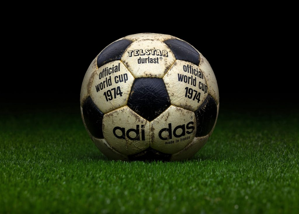 made-in-france-match-ball-fifa-world-cup-1974-germany-adidas-telstar-durlast-5