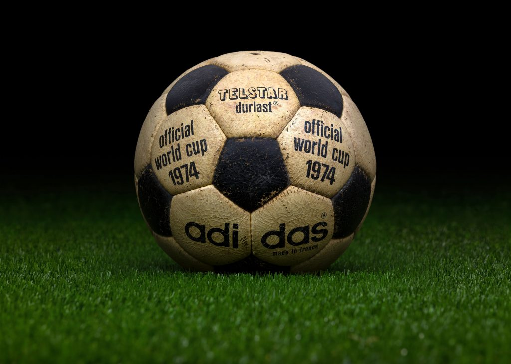 made-in-france-match-ball-fifa-world-cup-1974-germany-adidas-telstar-durlast-6