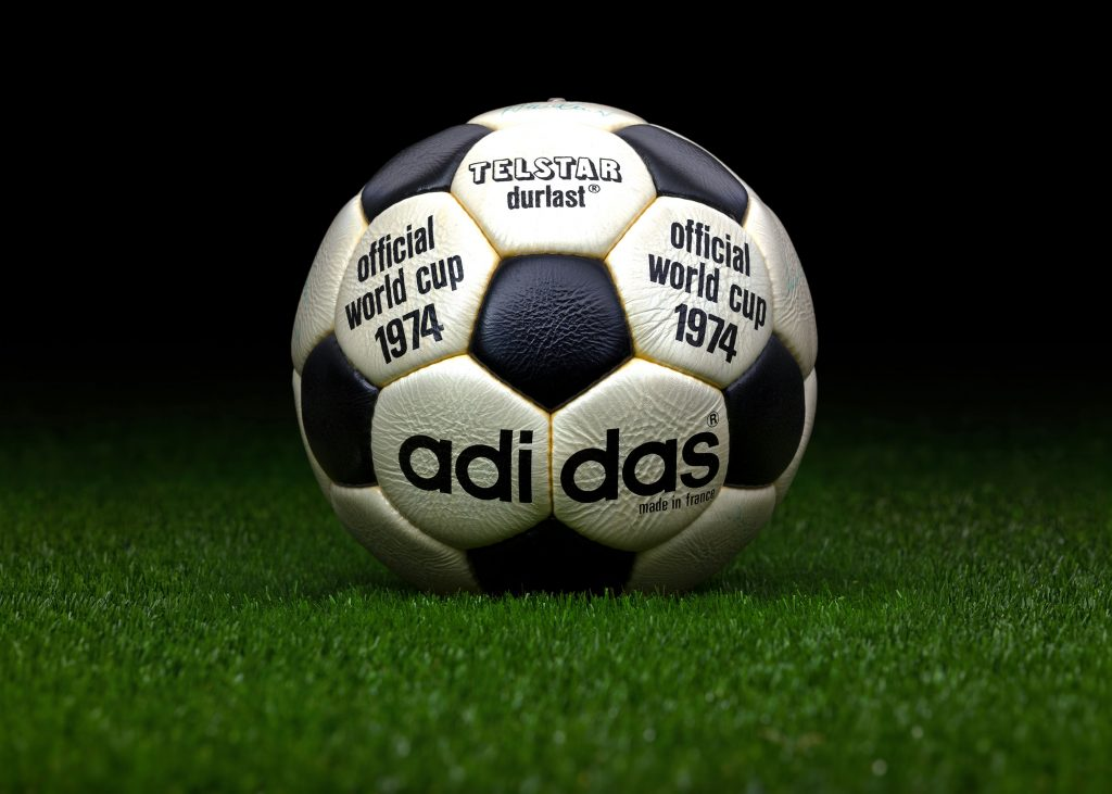 made-in-france-match-ball-fifa-world-cup-1974-germany-adidas-telstar-durlast-9