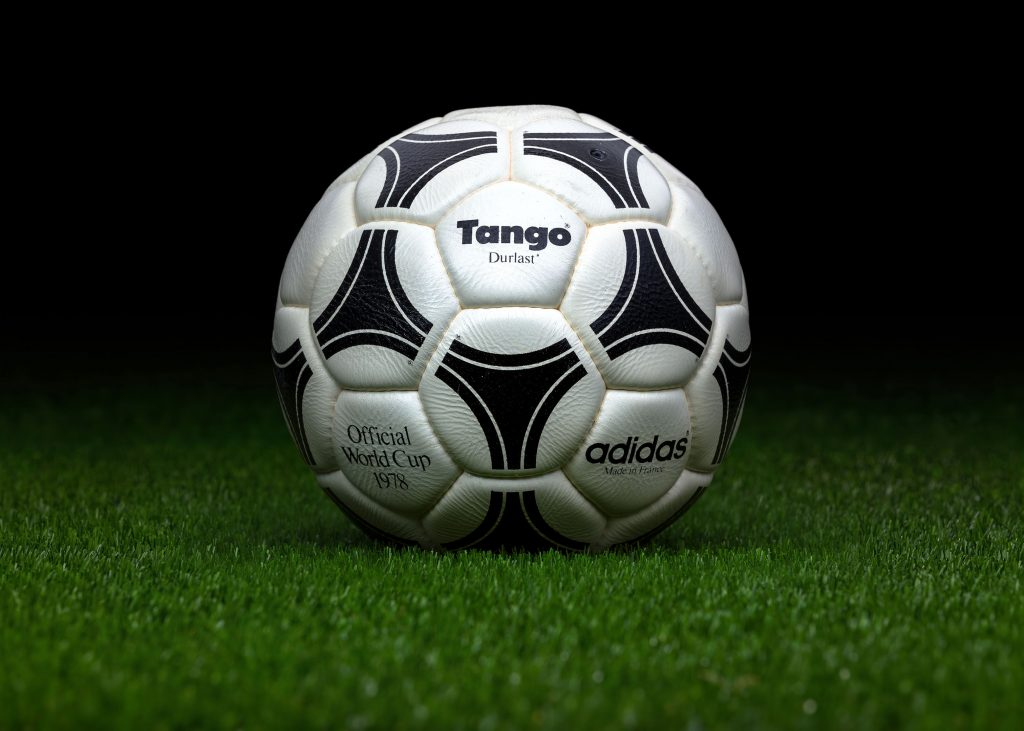 made-in-france-match-ball-fifa-world-cup-1978-argentina-adidas-tango-durlast