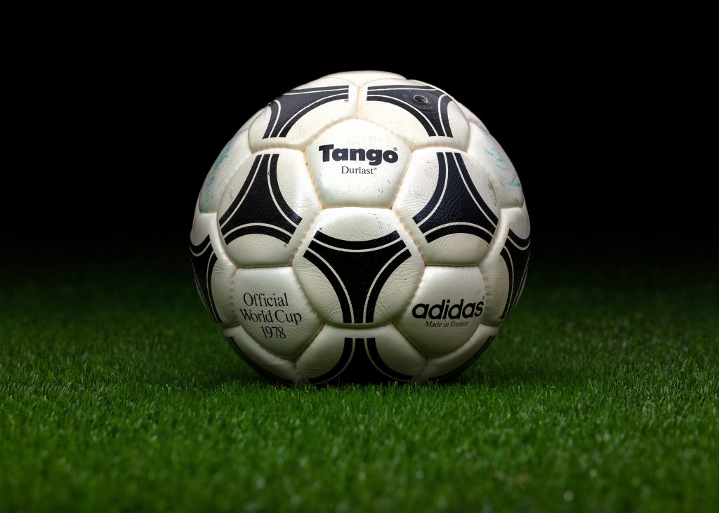 made-in-france-match-ball-fifa-world-cup-1978-argentina-adidas-tango-durlast-2