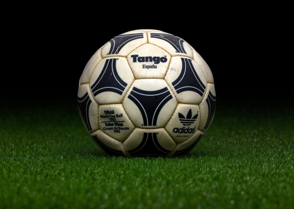 made-in-france-match-ball-fifa-world-cup-1982-spain-adidas-tango-espana-2