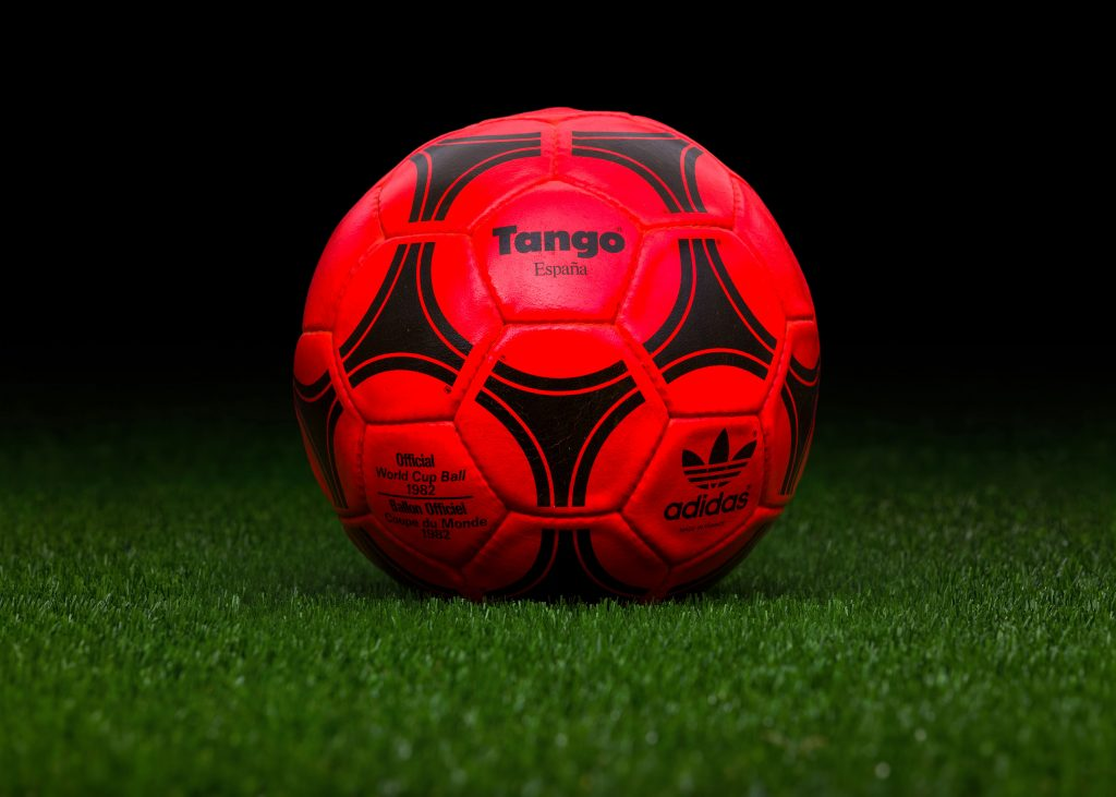 made-in-france-match-ball-fifa-world-cup-1982-spain-adidas-tango-espana-winter-edition