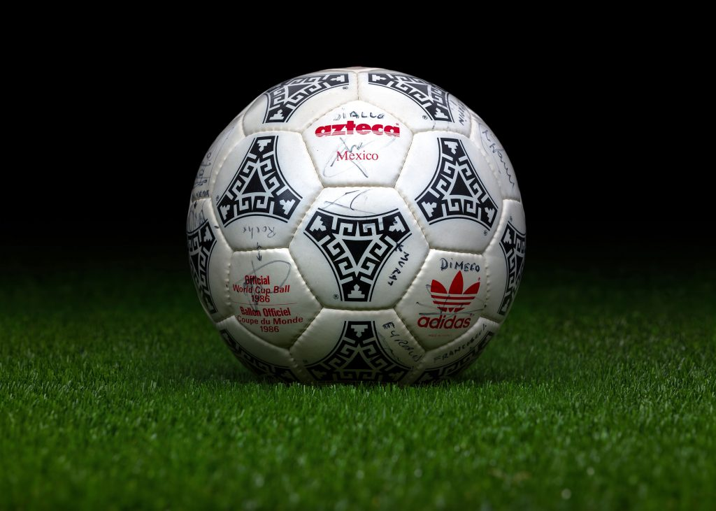 made-in-france-match-ball-fifa-world-cup-1986-mexico-adidas-azteca-3