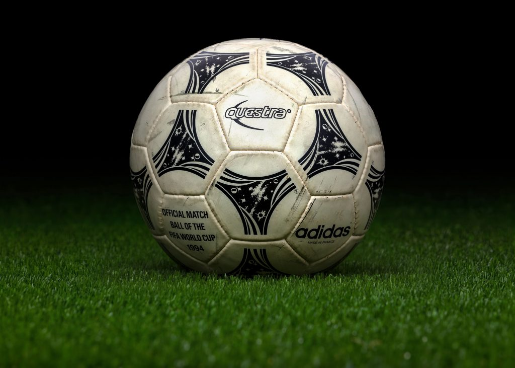 made-in-france-match-ball-game-used-fifa-world-cup-1994-usa-adidas-questra-brazil-italy