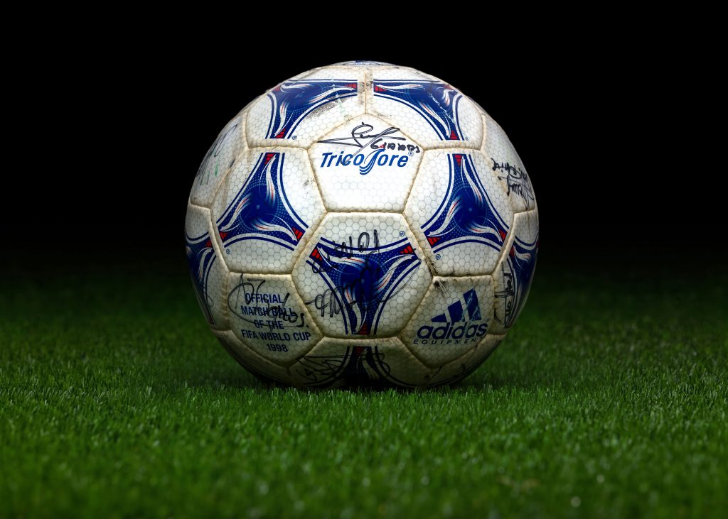 made-in-morocco-match-ball-signed-by-the-french-team-fifa-world-cup-1998-france-adidas-tricolore
