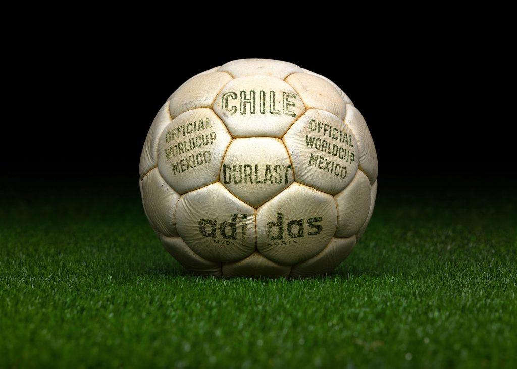 made-in-spain-match-ball-fifa-world-cup-1970-mexico-adidas-telstar-durlast