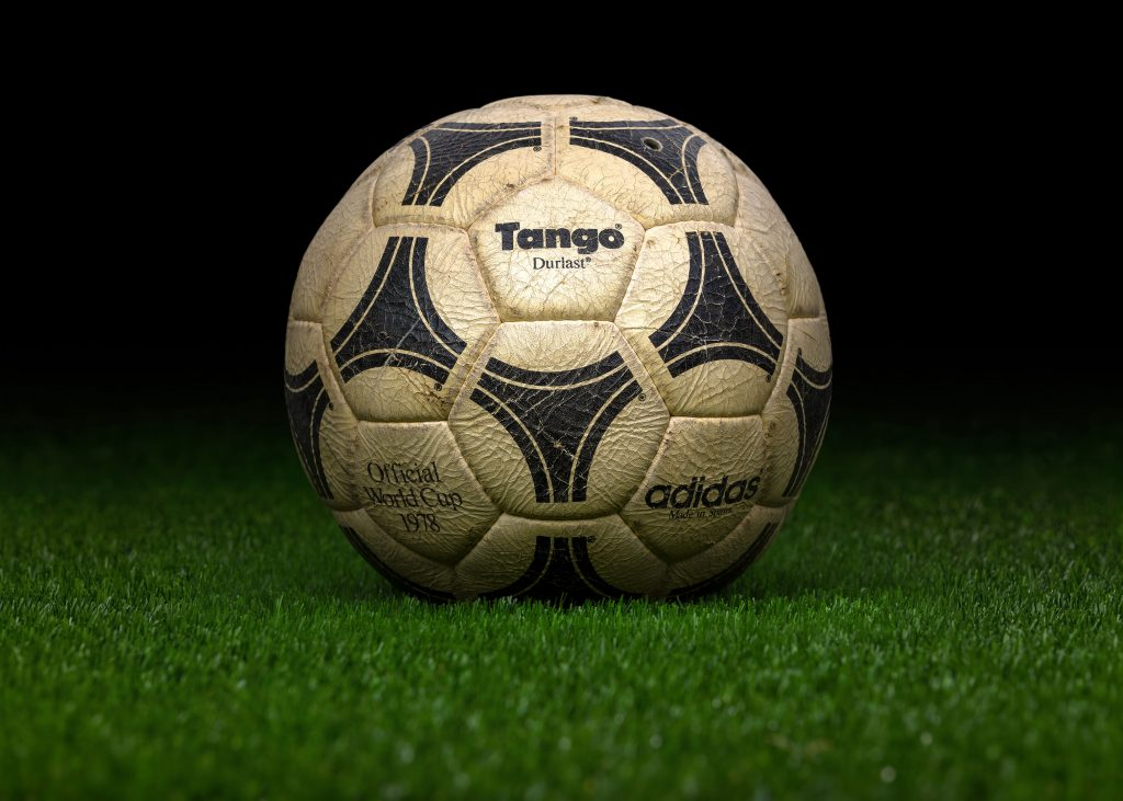 made-in-spain-match-ball-fifa-world-cup-1978-argentina-adidas-tango-durlast