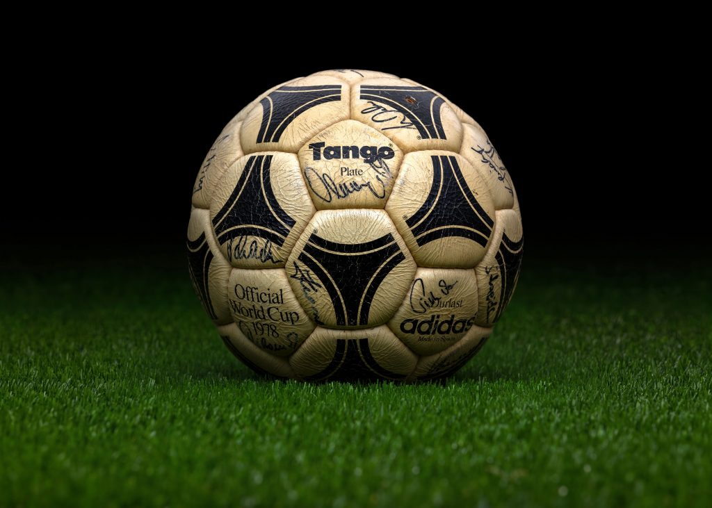 made-in-spain-match-ball-fifa-world-cup-1978-argentina-adidas-tango-plate