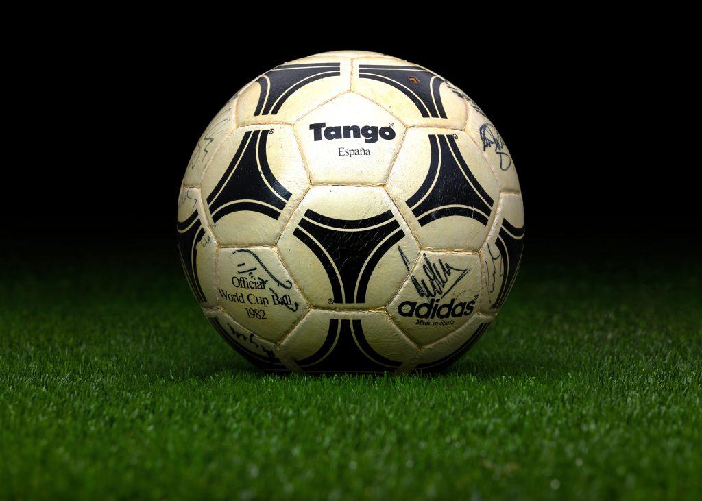 made-in-spain-match-ball-fifa-world-cup-1982-spain-adidas-tango-espana-2
