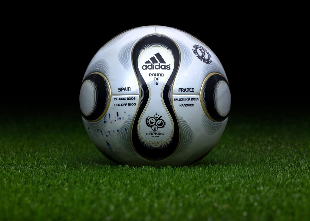 made-in-thailand-match-ball-game-used-fifa-world-cup-2006-germany-adidas-teamgeist-spain-france