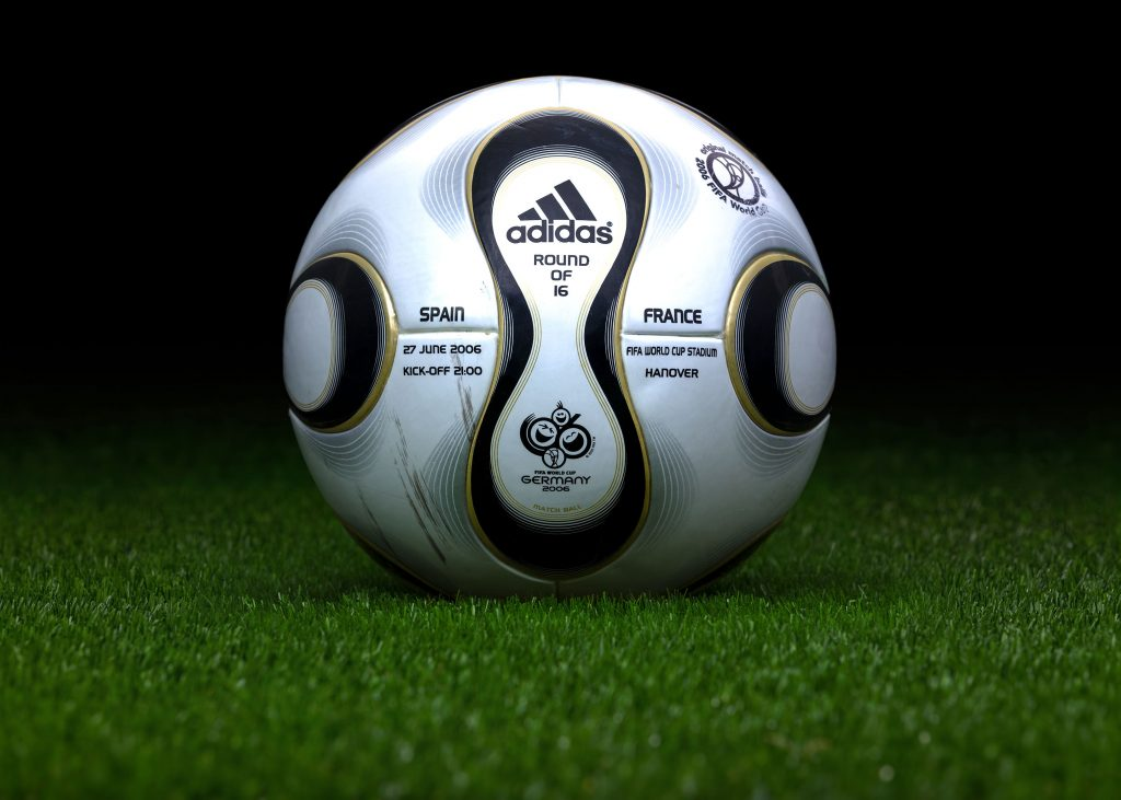 made-in-thailand-match-ball-game-used-fifa-world-cup-2006-germany-adidas-teamgeist-spain-france-2